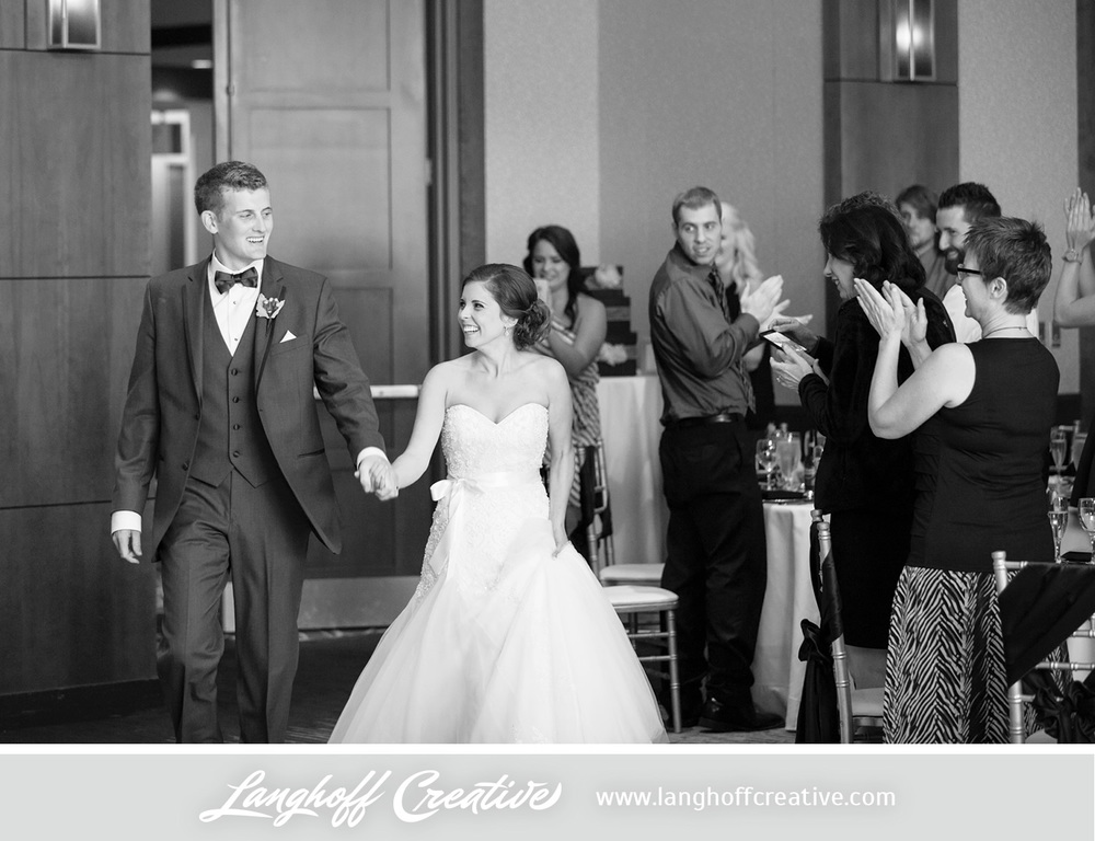 IllinoisWedding-WeddingPhotography-EaglewoodResort-LanghoffCreative-27-photo.jpg
