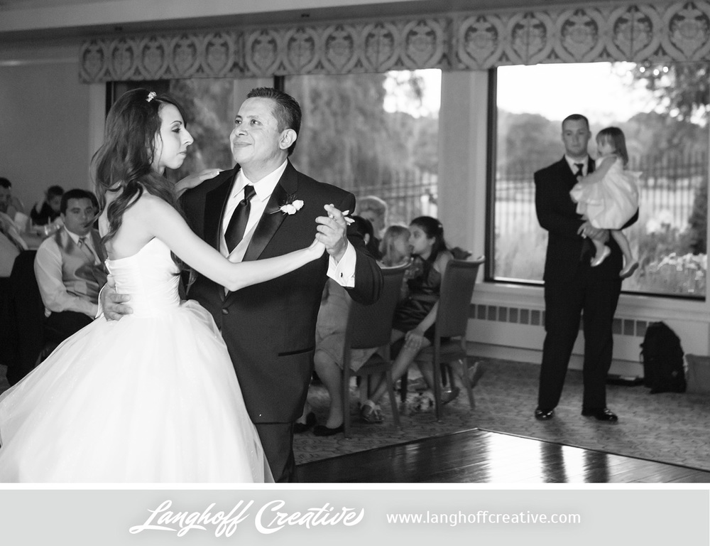 WisconsinWedding-WeddingPhotography-KenoshaCountryClub-LanghoffCreative-34-photo.jpg