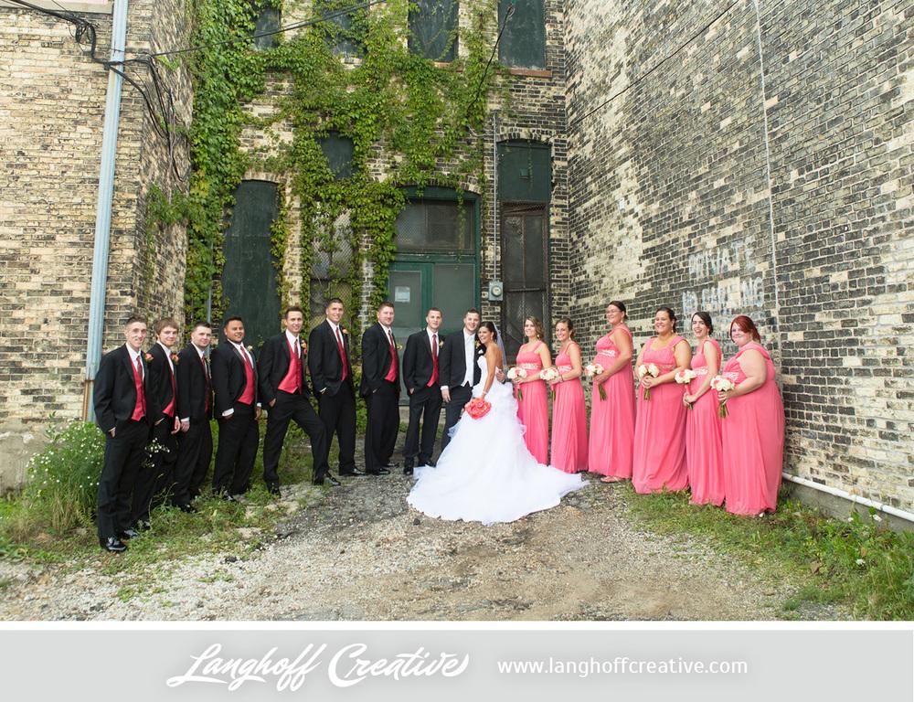 WisconsinWedding-WeddingPhotography-FestivalHall-LanghoffCreative-14-photo.jpg