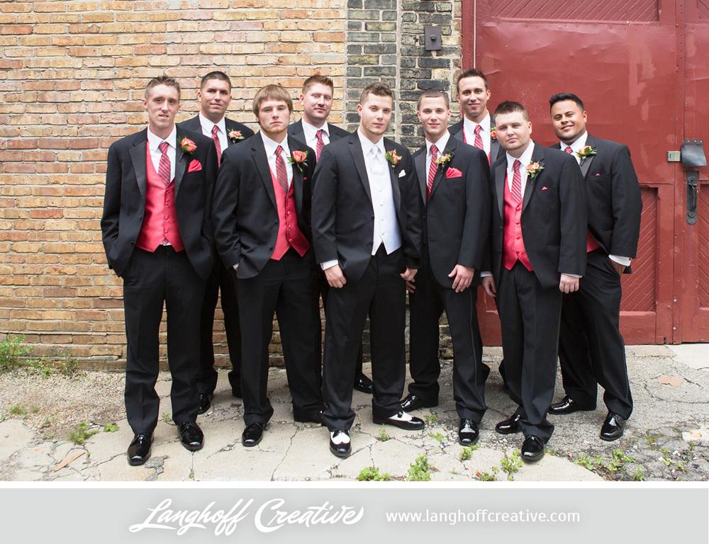 WisconsinWedding-WeddingPhotography-FestivalHall-LanghoffCreative-17-photo.jpg