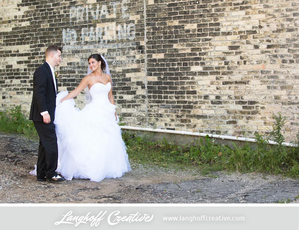 WisconsinWedding-WeddingPhotography-FestivalHall-LanghoffCreative-19-photo.jpg