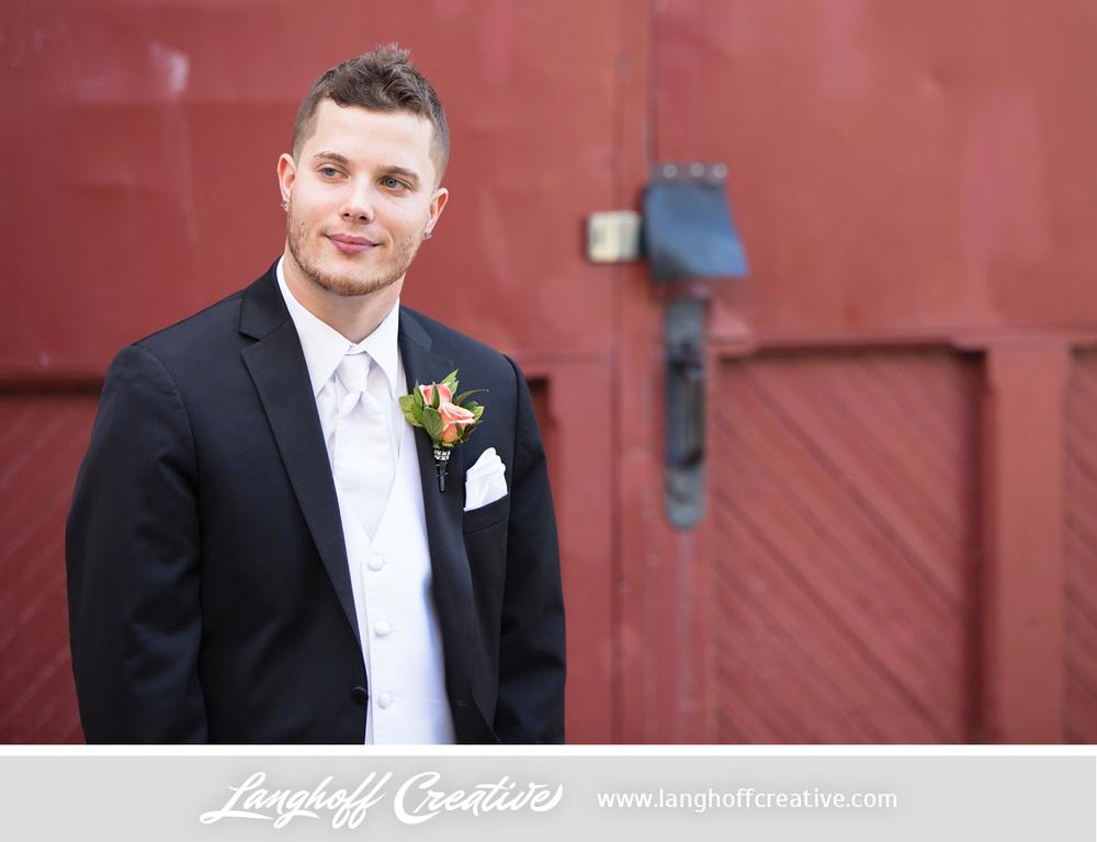 WisconsinWedding-WeddingPhotography-FestivalHall-LanghoffCreative-24-photo.jpg