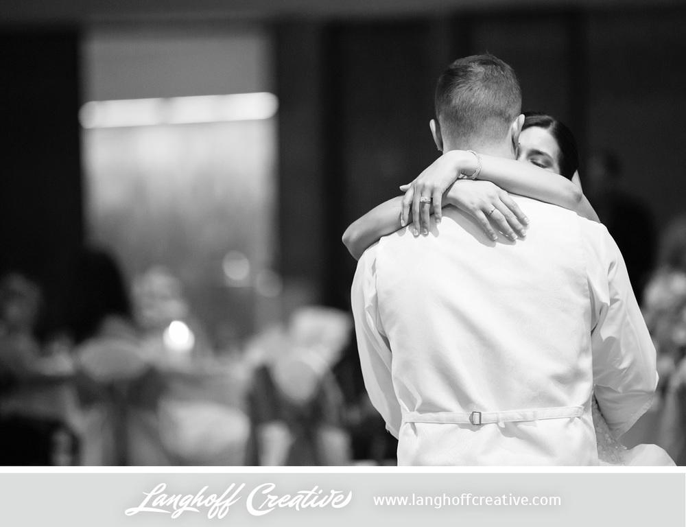 WisconsinWedding-WeddingPhotography-FestivalHall-LanghoffCreative-30-photo.jpg