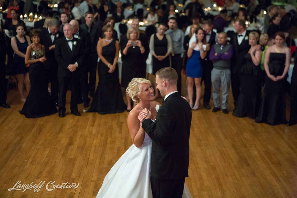 WisconsinWedding-WeddingPhotography-MemorialHall-Racine-2014-Nelson40-photo.jpg