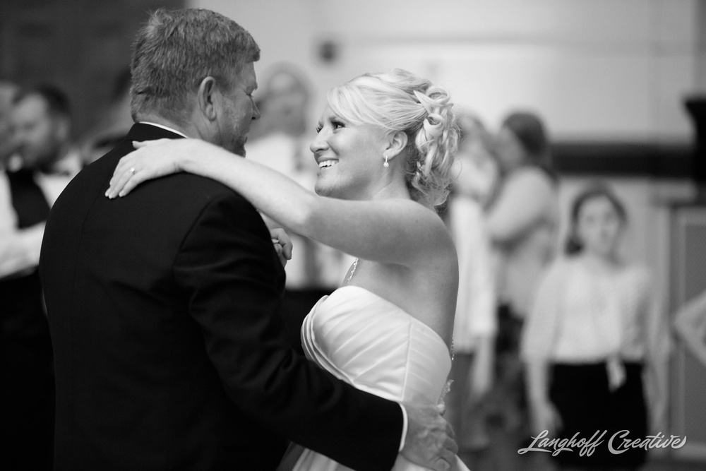 WisconsinWedding-WeddingPhotography-MemorialHall-Racine-2014-Nelson43-photo.jpg