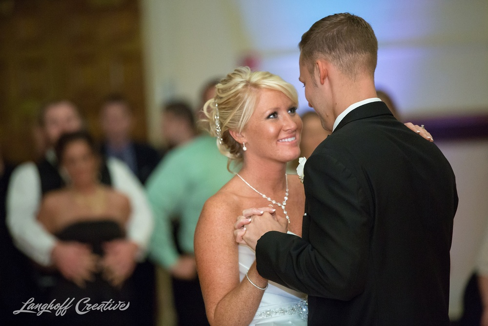 WisconsinWedding-WeddingPhotography-MemorialHall-Racine-2014-Nelson42-photo.jpg