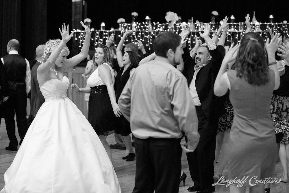 WisconsinWedding-WeddingPhotography-MemorialHall-Racine-2014-Nelson45-photo.jpg
