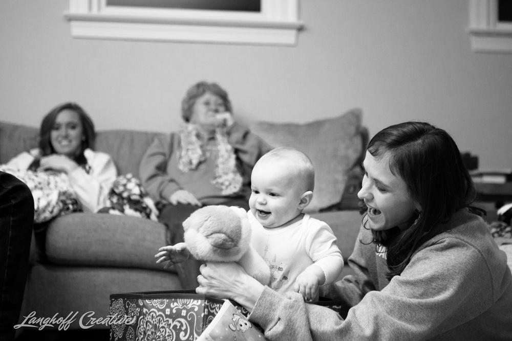 LanghoffCreative-RaleighPhotographer-DocumentaryFamilyPhotography-Personal-niece-Christmas2014-1-photo.jpg