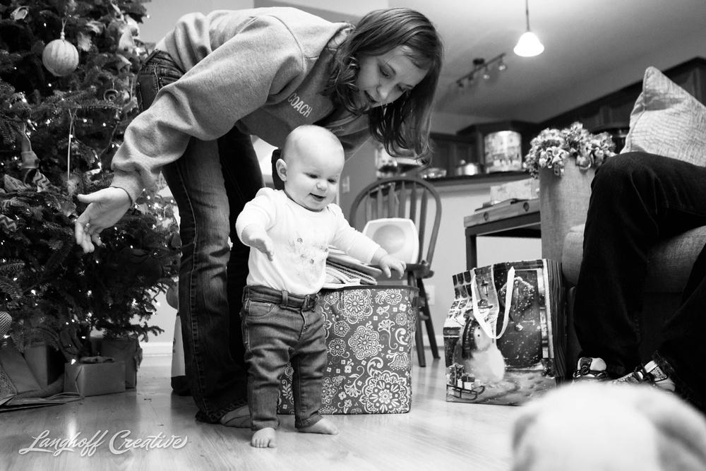 LanghoffCreative-RaleighPhotographer-DocumentaryFamilyPhotography-Personal-niece-Christmas2014-3-photo.jpg