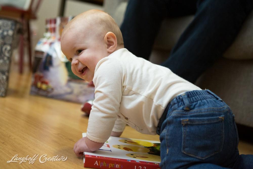 LanghoffCreative-RaleighPhotographer-DocumentaryFamilyPhotography-Personal-niece-Christmas2014-5-photo.jpg