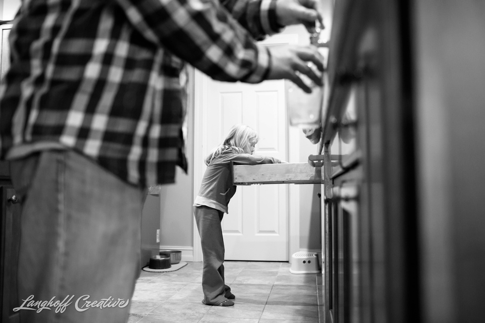 DocumentaryFamilyPhotography-FamilyPhotojournalism-NCfamily-documentaryphotographer-familyphotographer-LanghoffCreative-Tharp2015-02-photo.jpg