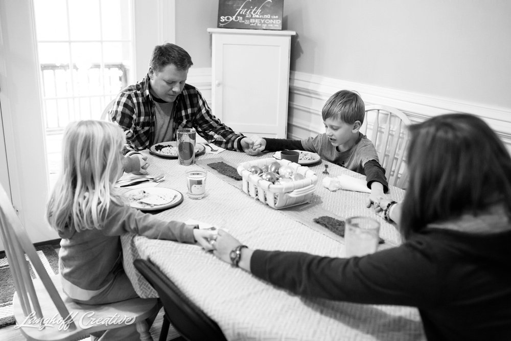 DocumentaryFamilyPhotography-FamilyPhotojournalism-NCfamily-documentaryphotographer-familyphotographer-LanghoffCreative-Tharp2015-03-photo.jpg
