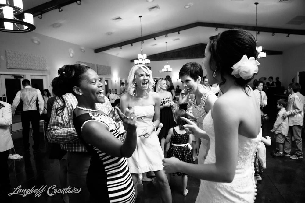 RaleighPhotographer-DocumentaryPhotographer-DocumentaryWeddingPhotography-Wedding-WeddingPhotography-CharlotteWedding-RaleighWedding-LanghoffCreative-2015Martinez-32-photo.jpg