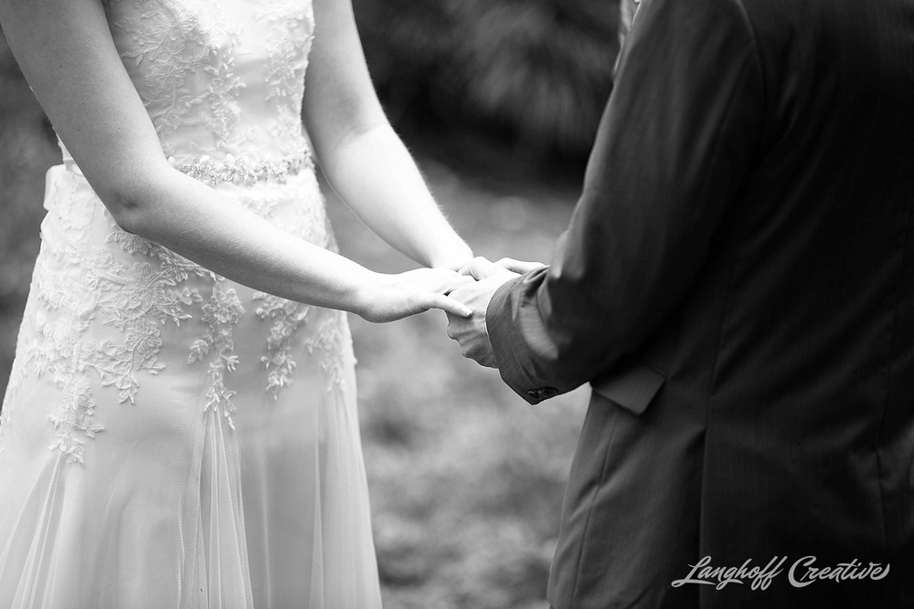 WeddingPhotography-NCwedding-RaleighWedding-WeddingPhotographer-2015-OutdoorWedding-Steckman-LanghoffCreative_18-photo.jpg