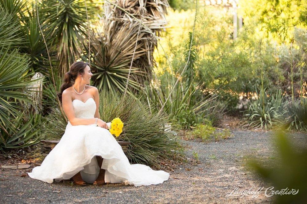 BridalSession-Bridals-RaleighBride-NCbride-JCRaulstonArboretum-RaleighWedding-WeddingPhotographer-LanghoffCreative-Amy2015-Bride-10-photo.jpg