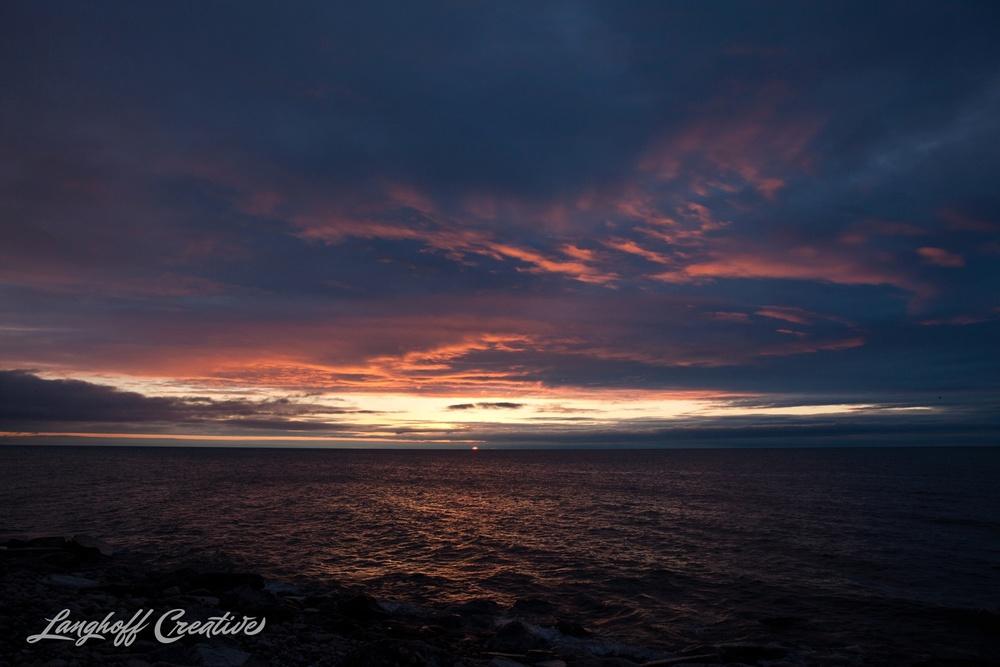 LakeMichigan-Sunrises-Kenosha-Wisconsin-AmberLanghoff-photographer-1-photo.jpg