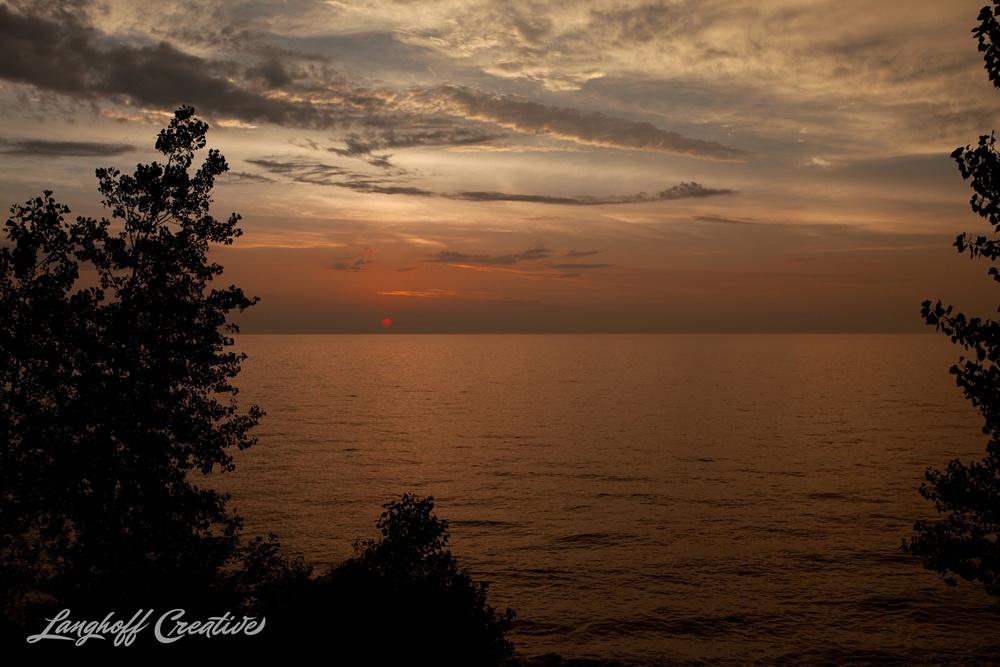 LakeMichigan-Sunrises-Kenosha-Wisconsin-AmberLanghoff-photographer-4-photo.jpg