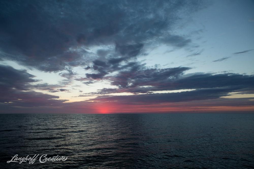LakeMichigan-Sunrises-Kenosha-Wisconsin-AmberLanghoff-photographer-7-photo.jpg
