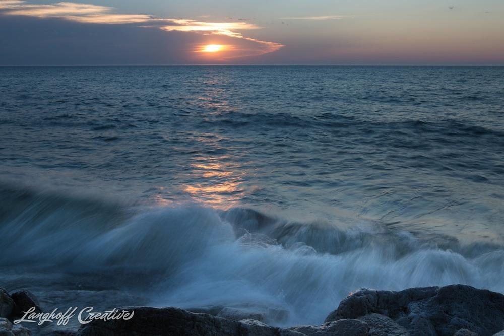 LakeMichigan-Sunrises-Kenosha-Wisconsin-AmberLanghoff-photographer-16-photo.jpg