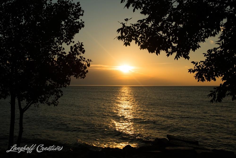 LakeMichigan-Sunrises-Kenosha-Wisconsin-AmberLanghoff-photographer-17-photo.jpg