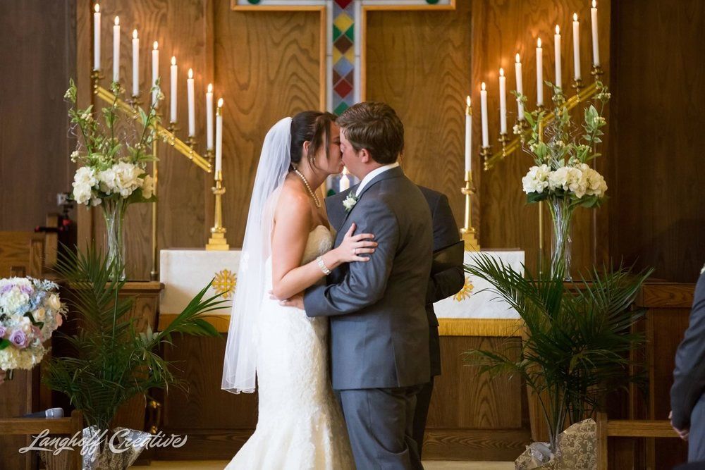 RaleighWedding-WeddingPhotographer-DowntownRaleigh-NCStateWedding-BellTower-NCSU-LanghoffCreative-Dimm2015-12-photo.jpg