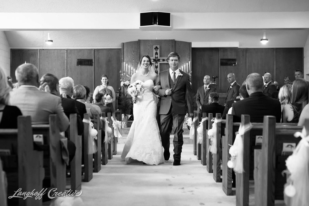 RaleighWedding-WeddingPhotographer-DowntownRaleigh-NCStateWedding-BellTower-NCSU-LanghoffCreative-Dimm2015-13-photo.jpg