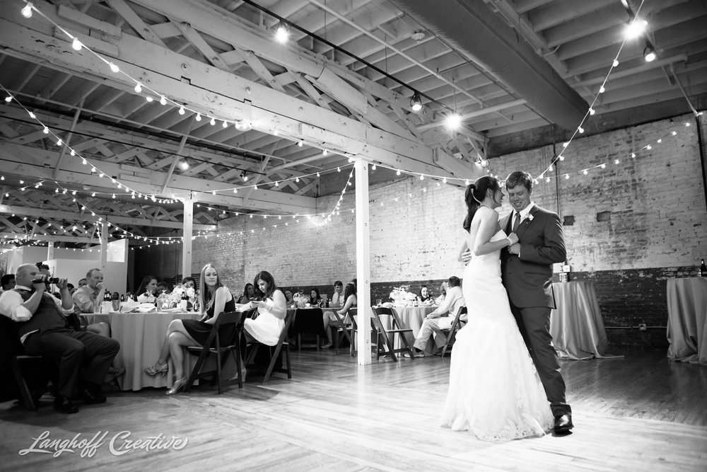 RaleighWedding-WeddingPhotographer-DowntownRaleigh-NCStateWedding-BellTower-NCSU-LanghoffCreative-Dimm2015-28-photo.jpg