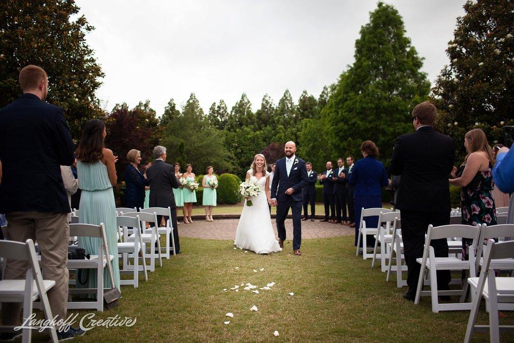 LanghoffCreative-AmberLanghoff-Wedding-DocumentaryFamilyPhotography-NCphotographer-DocumentaryPhotographer-RaleighDurham-JaredJennifer-9-photo.jpg