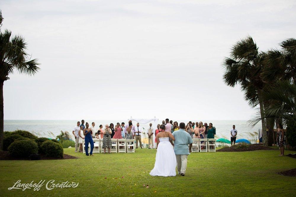 LanghoffCreative-AmberLanghoff-Wedding-DocumentaryFamilyPhotography-NCphotographer-DocumentaryPhotographer-RaleighDurham-JeremyBecky-6-photo.jpg