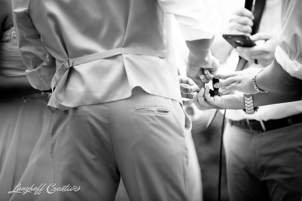 LanghoffCreative-AmberLanghoff-Wedding-DocumentaryFamilyPhotography-NCphotographer-DocumentaryPhotographer-RaleighDurham-JeremyBecky-10-photo.jpg
