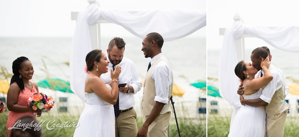 LanghoffCreative-AmberLanghoff-Wedding-DocumentaryFamilyPhotography-NCphotographer-DocumentaryPhotographer-RaleighDurham-JeremyBecky-11-photo.jpg