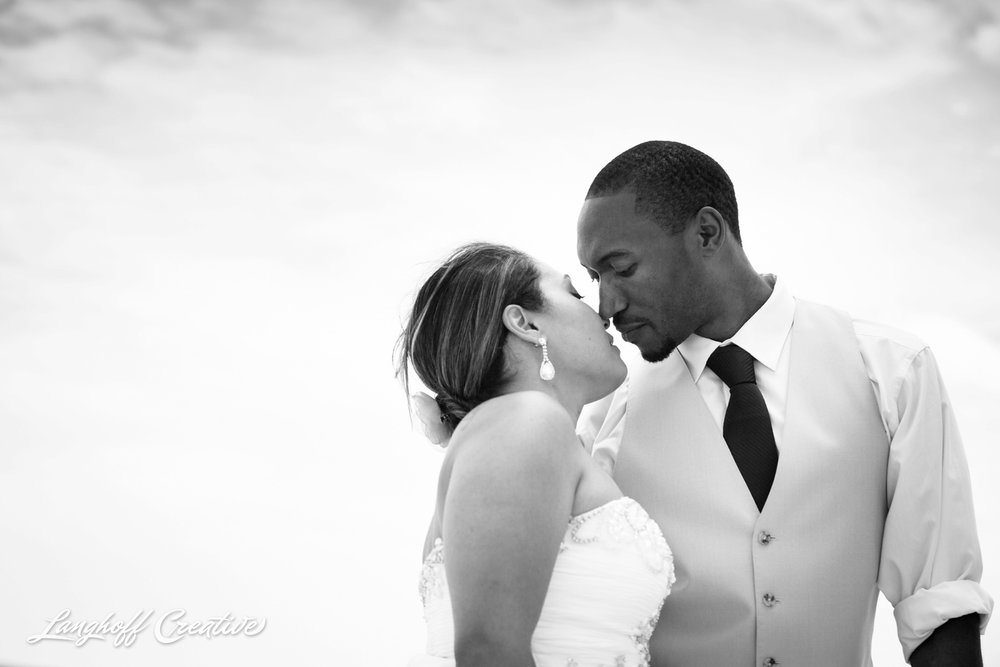 LanghoffCreative-AmberLanghoff-Wedding-DocumentaryFamilyPhotography-NCphotographer-DocumentaryPhotographer-RaleighDurham-JeremyBecky-18-photo.jpg