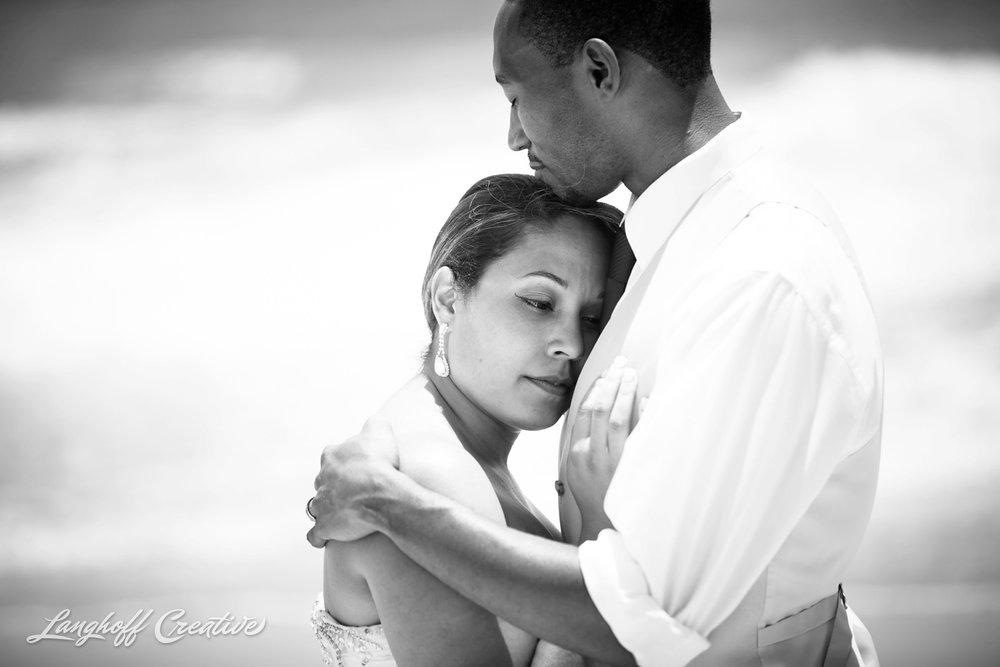 LanghoffCreative-AmberLanghoff-Wedding-DocumentaryFamilyPhotography-NCphotographer-DocumentaryPhotographer-RaleighDurham-JeremyBecky-19-photo.jpg
