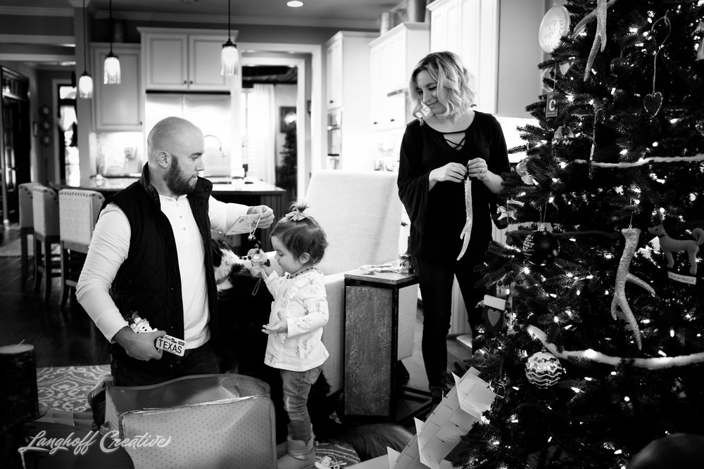 20171125-McGrathChristmas-DayInTheLife-Holidays-LanghoffCreative-RealLifeSession-DocumentaryFamilyPhotography-RDUphotographer-2-photo.jpg