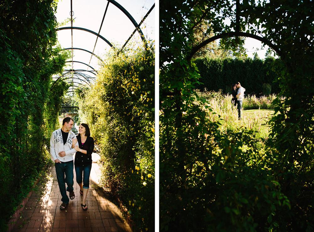 07-saint-cloud-engagement-at-munsinger-gardens.jpg