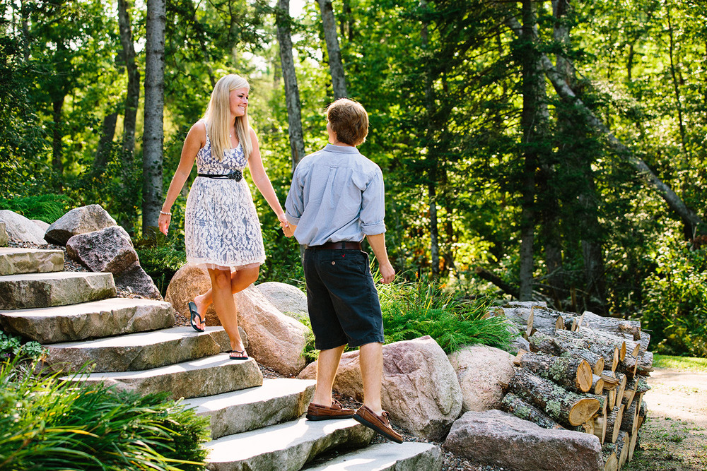 02-minnesota-lake-home-engagement-session-crosslake.jpg