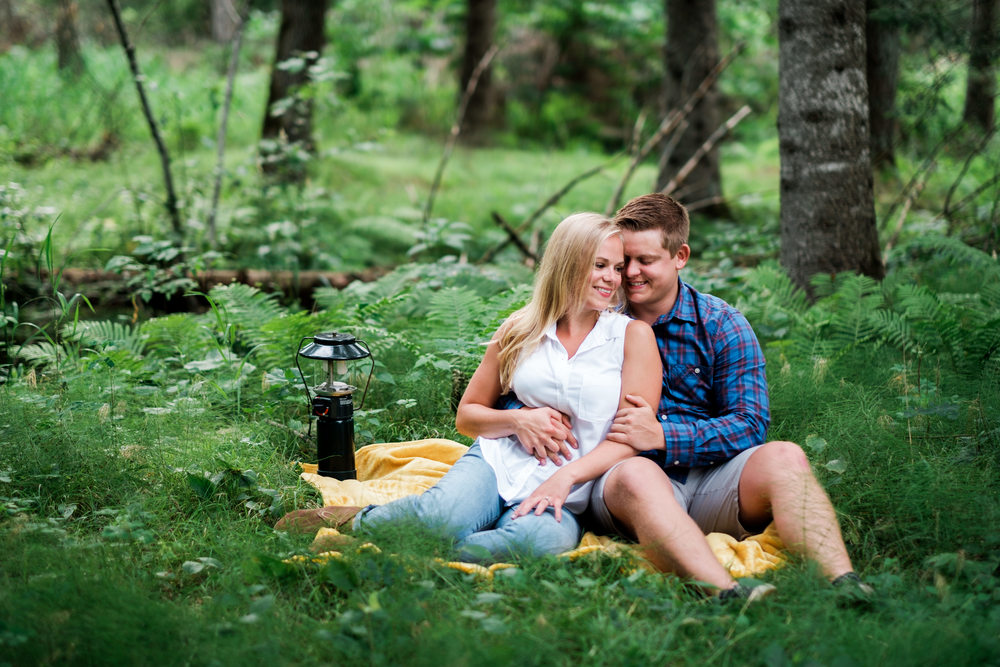 Brainerd MN engagement session at Fritz Loven Park