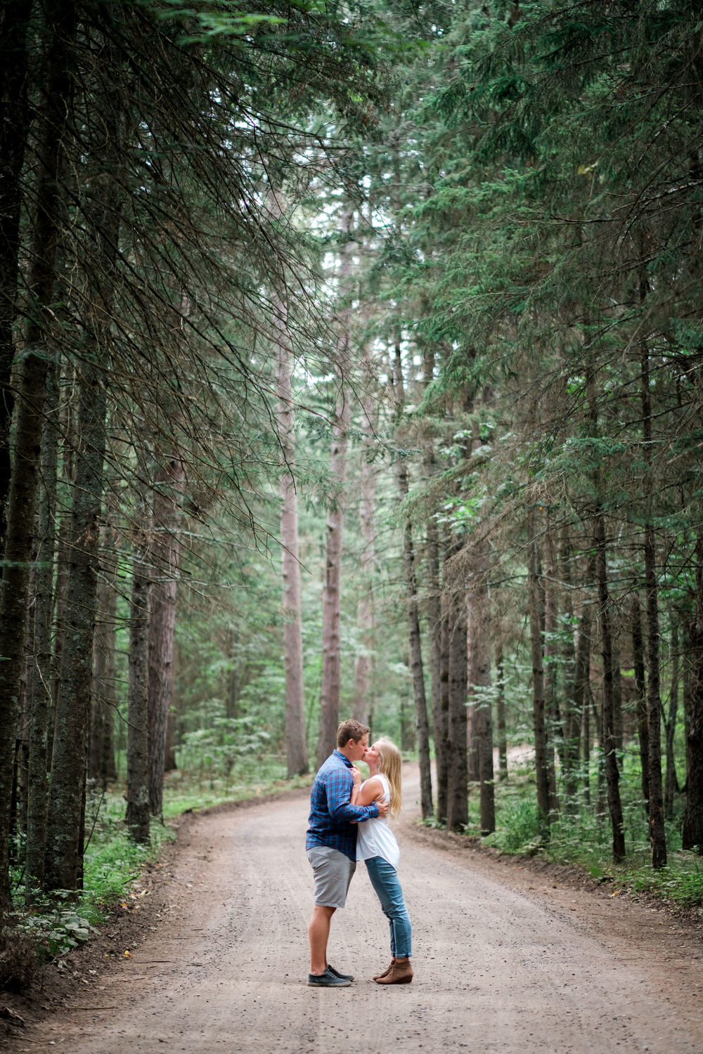 minnesota wooded wedding near brainerd