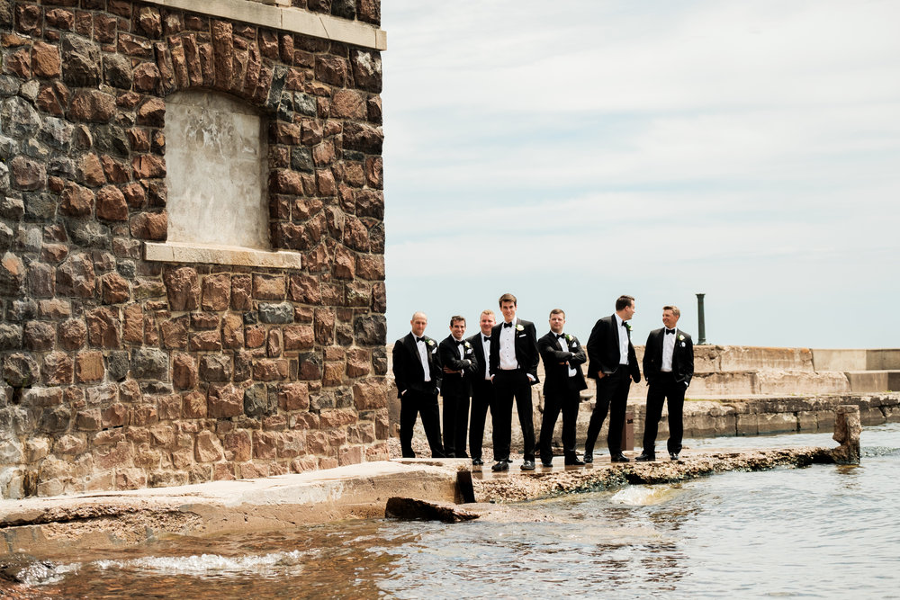 groomsmen at the glensheen mansion