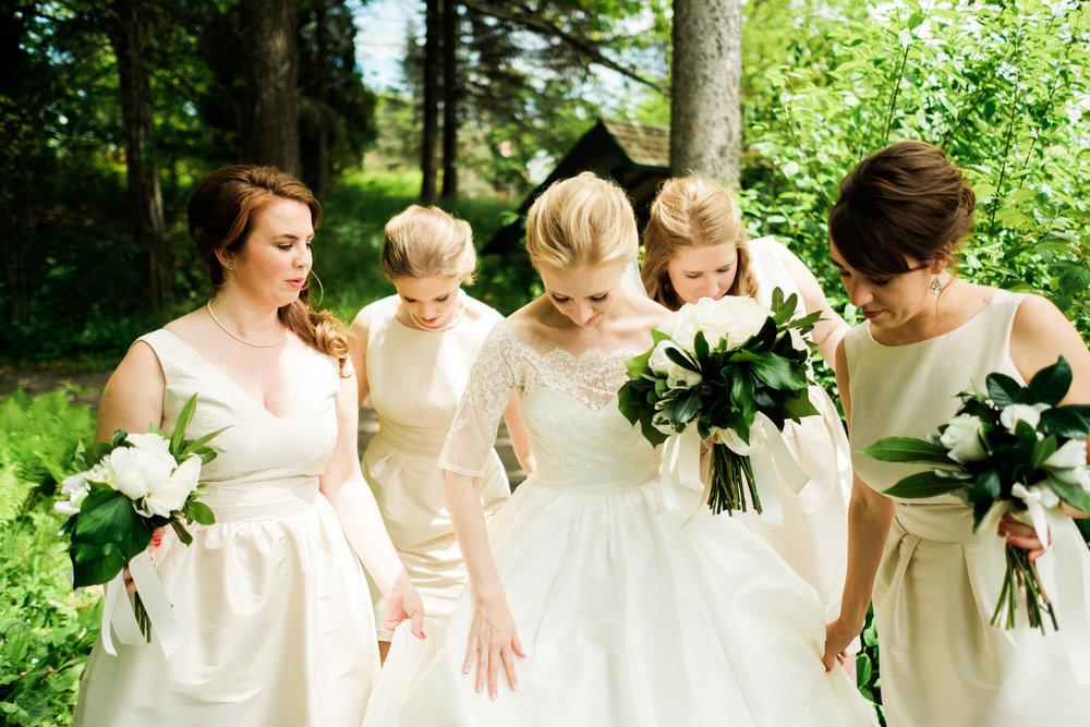 bride at glensheen mansion