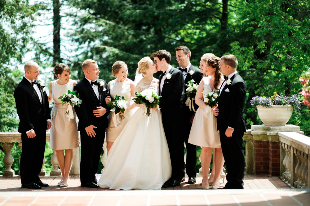 wedding party on the patio at glensheen mansion