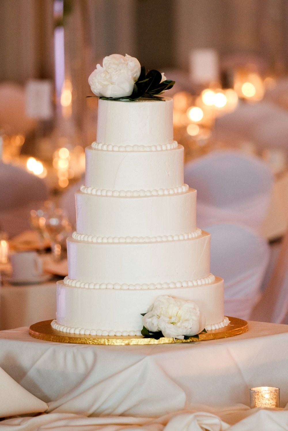 wedding cake at greysolon in duluth, mn
