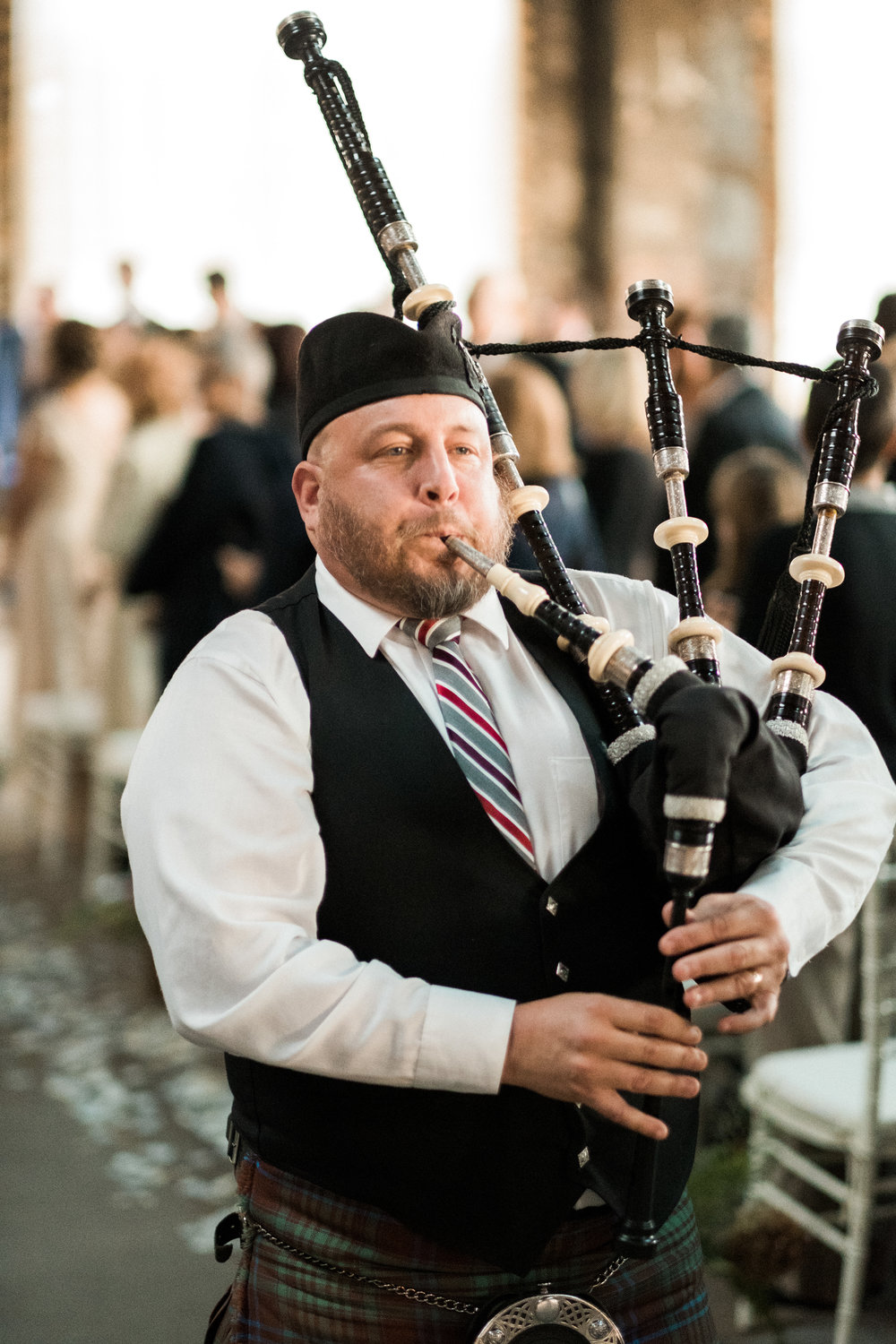 a bagpiper for a wedding in brainerd, mn