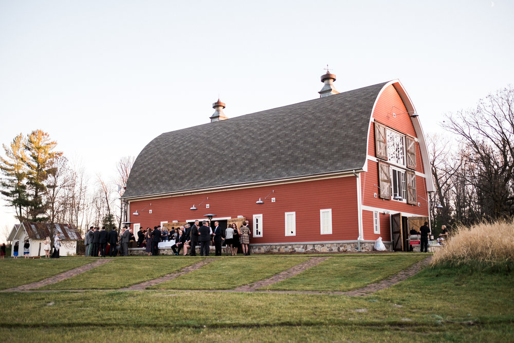 northern mn outdoor barn wedding planner