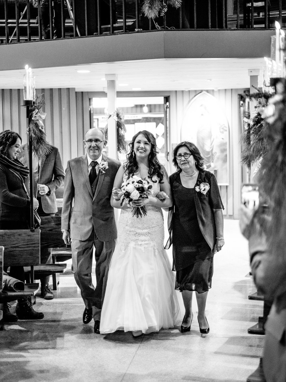 north shore grand marais wedding photographer at bethlehem lutheran church