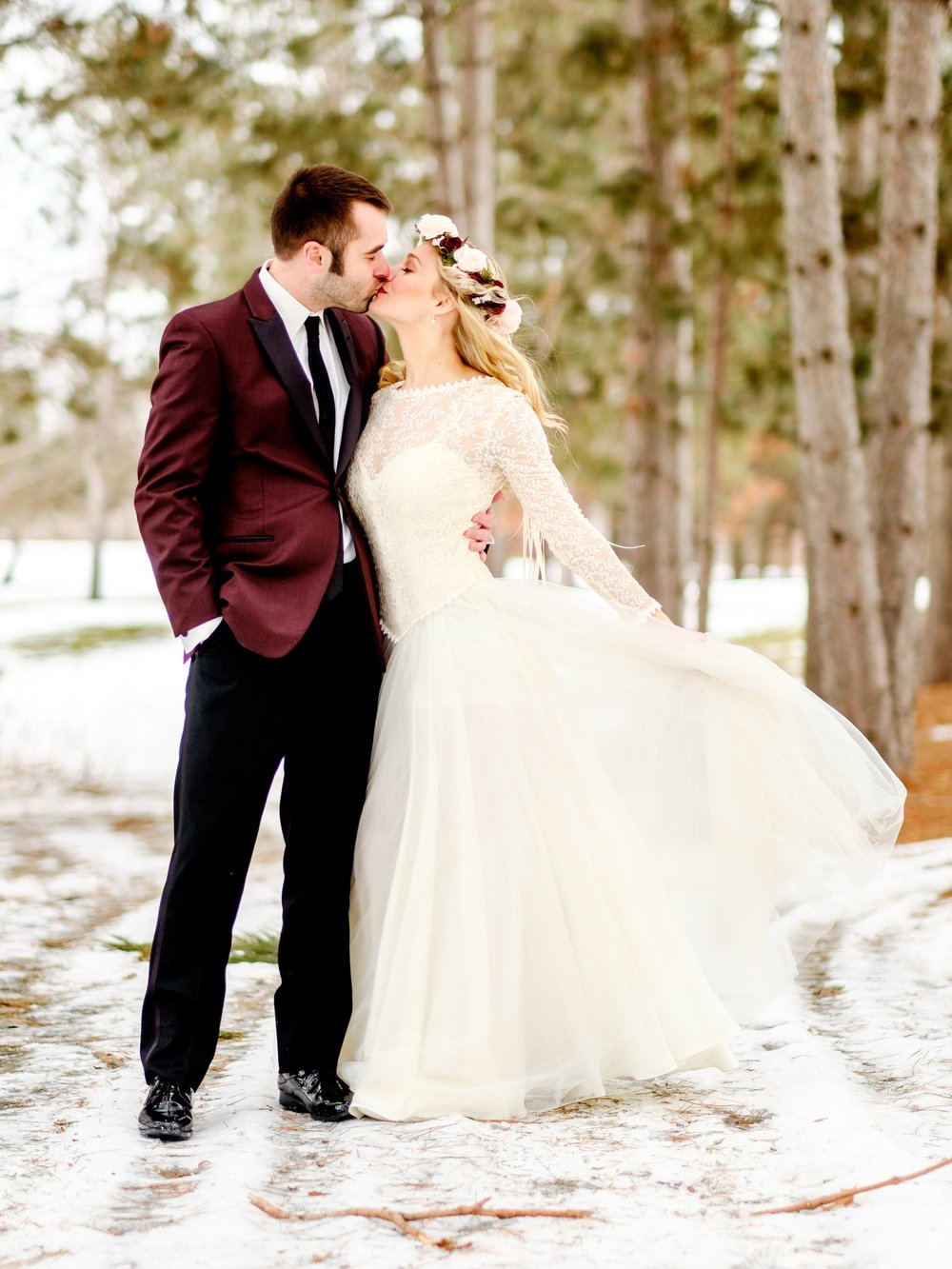 winter wedding at Cragun's Legacy Golf Course