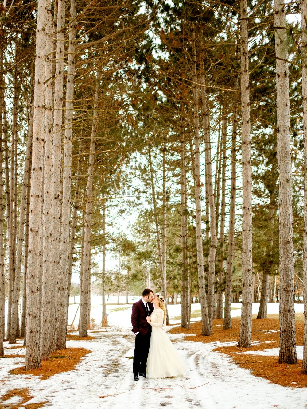 winter wedding on gull lake at cragun's resort
