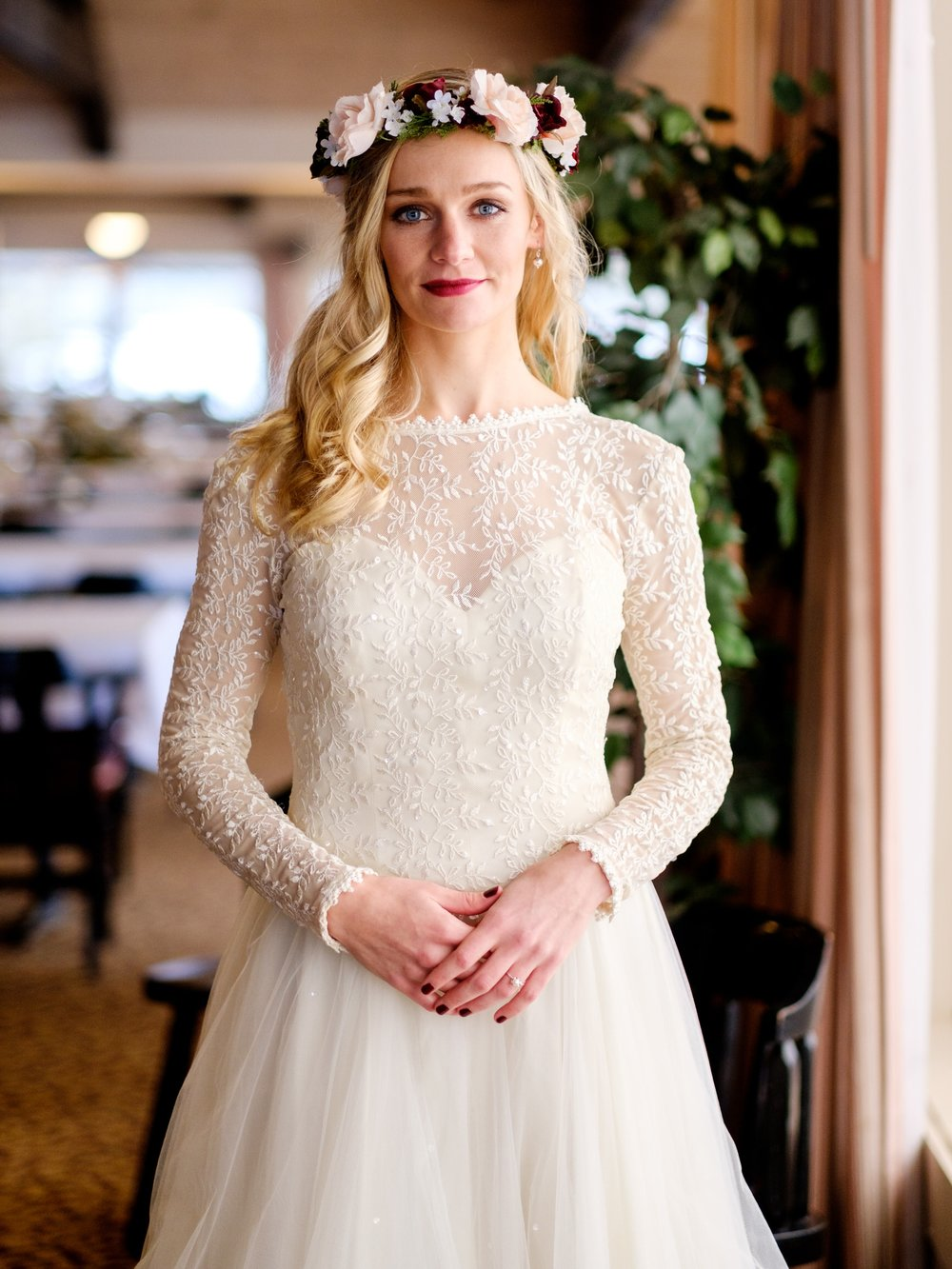 cragun's resort winter wedding bride