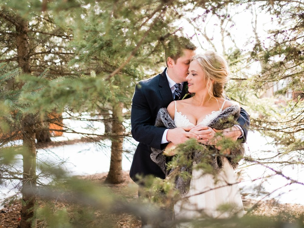 minnesota winter wedding photographer in northern mn