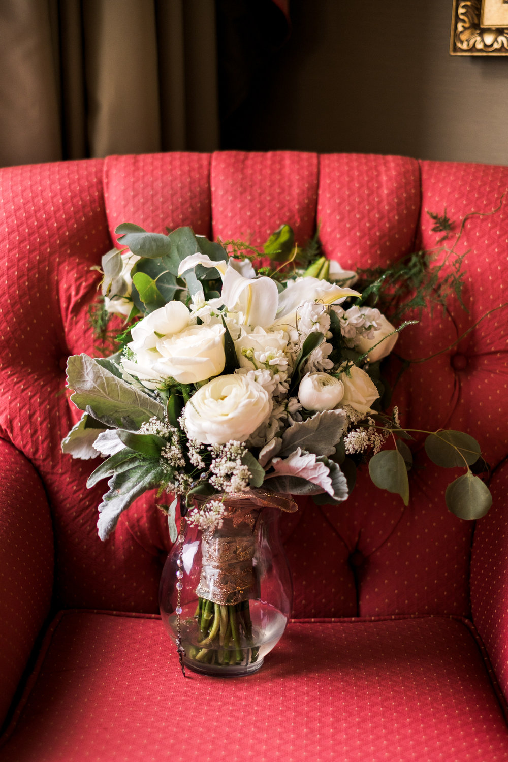 Bride bouquet at the Saint Paul Hotel